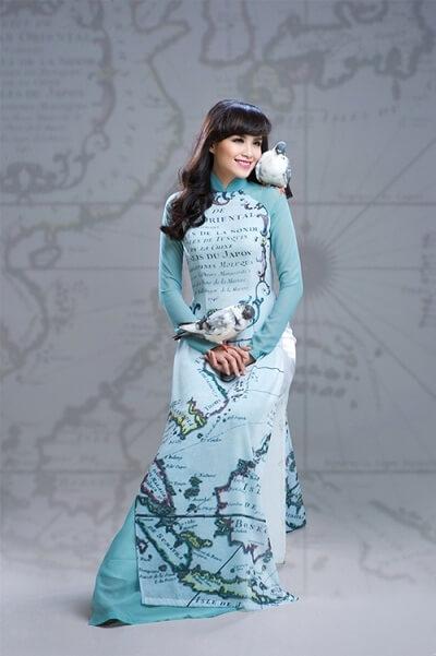 Áo dài với hình ảnh bản đồ